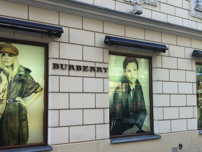 BURBERRY burberry 05 STUDIO FORM   Werbeagentur Warschau